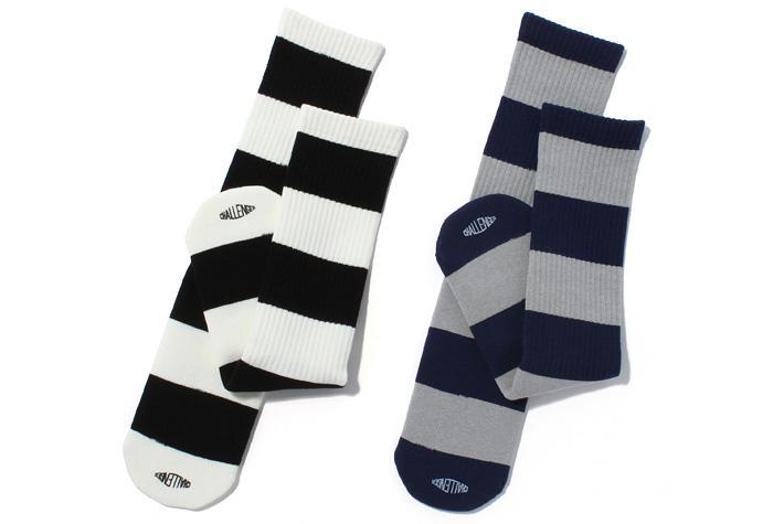 ac014_045_border_socks.jpg